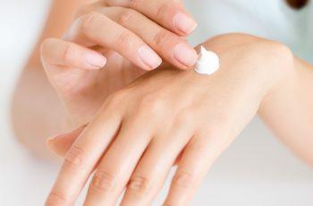 """De ingrediëntenlijst """"NO-NO"""" voor huid- en haarverzorging"""